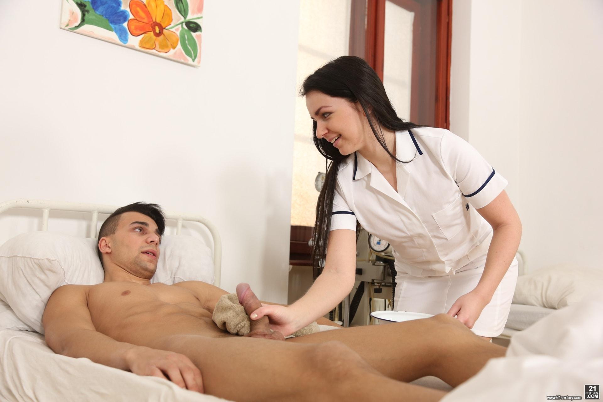 21Sextury 'Sexual Medicine' starring Kittina Ivory (Photo 8)