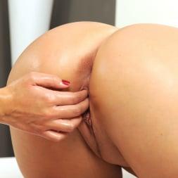 Lady Pinkdot in '21Sextury' Big Blonde Booty (Thumbnail 225)