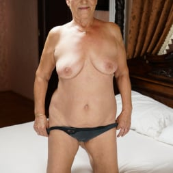 Lili in '21Sextury' Auntie Lili Is Back (Thumbnail 7)