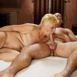 Lili in '21Sextury' Auntie Lili Is Back (Thumbnail 28)