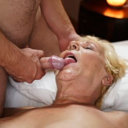 Lili in '21Sextury' Auntie Lili Is Back (Thumbnail 105)