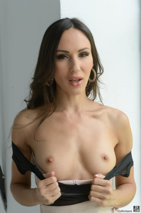 21Sextury 'Insatiable Sex Drive' starring Lilu Moon (Photo 10)