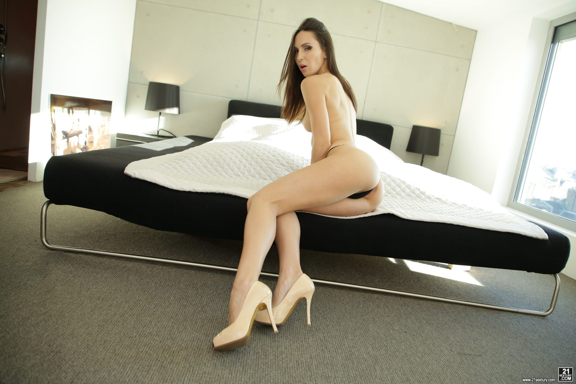 21Sextury 'Never Enough' starring Lilu Moon (Photo 8)