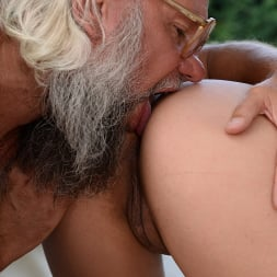 Lily Grey in '21Sextury' Which of the two (Thumbnail 52)