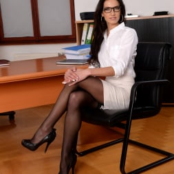 Linda Moretti in '21Sextury' Business Affairs (Thumbnail 1)