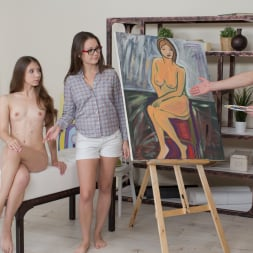 Liza Shay in '21Sextury' Painting Her Figure (Thumbnail 6)
