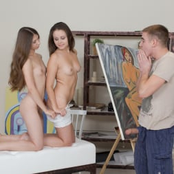 Liza Shay in '21Sextury' Painting Her Figure (Thumbnail 18)