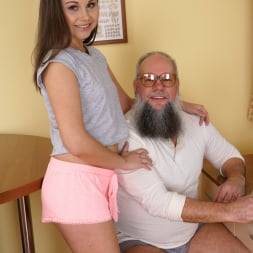 Liza Shay in '21Sextury' Tasting A Young Woman (Thumbnail 1)