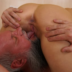 Liza Shay in '21Sextury' Tasting A Young Woman (Thumbnail 91)