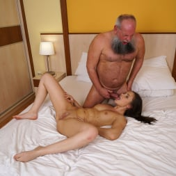 Liza Shay in '21Sextury' Tasting A Young Woman (Thumbnail 195)