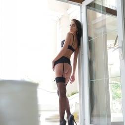 Loren Minardi in '21Sextury' Knocking on the backdoor (Thumbnail 8)