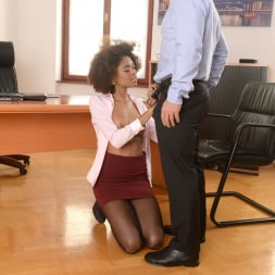 Luna Corazon in '21Sextury' Interracial Office Orgasm (Thumbnail 60)