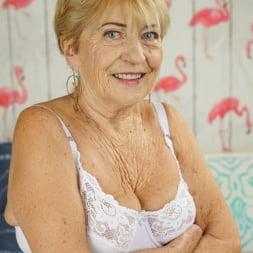 Malya in '21Sextury' Cum On Granny! (Thumbnail 1)