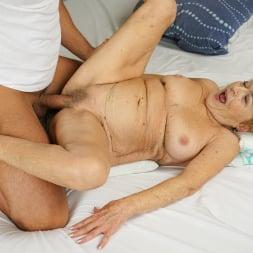 Malya in '21Sextury' Cum On Granny! (Thumbnail 97)