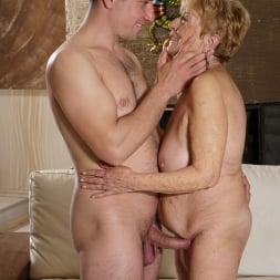 Malya in '21Sextury' Granny's Pleasure (Thumbnail 24)