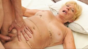 Malya in 'Lusty Fitness'