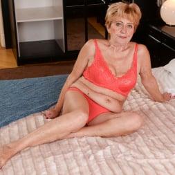 Malya in '21Sextury' Vintage Vagina (Thumbnail 1)