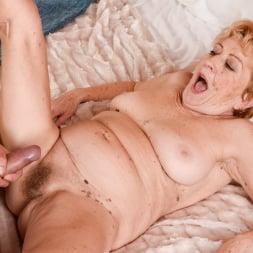 Malya in '21Sextury' Vintage Vagina (Thumbnail 210)