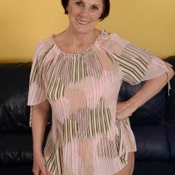 Margo T. in '21Sextury' Cock-hungry GILF (Thumbnail 1)