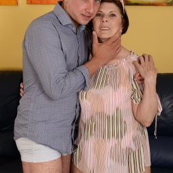 Margo T. in '21Sextury' Cock-hungry GILF (Thumbnail 15)
