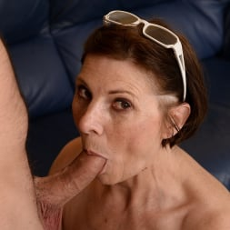 Margo T. in '21Sextury' Cock-hungry GILF (Thumbnail 120)