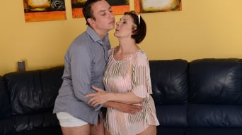 Margo T. in 'Cock-hungry GILF'