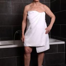 Margo T. in '21Sextury' Soaking Wet GILF (Thumbnail 1)