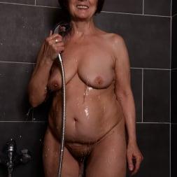 Margo T. in '21Sextury' Soaking Wet GILF (Thumbnail 28)