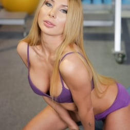 Marilyn Crystal in '21Sextury' Stretching Her Tushy (Thumbnail 21)