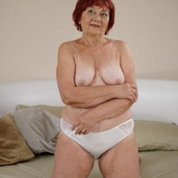 Marsha in '21Sextury' Clean, Old And Sexy (Thumbnail 1)