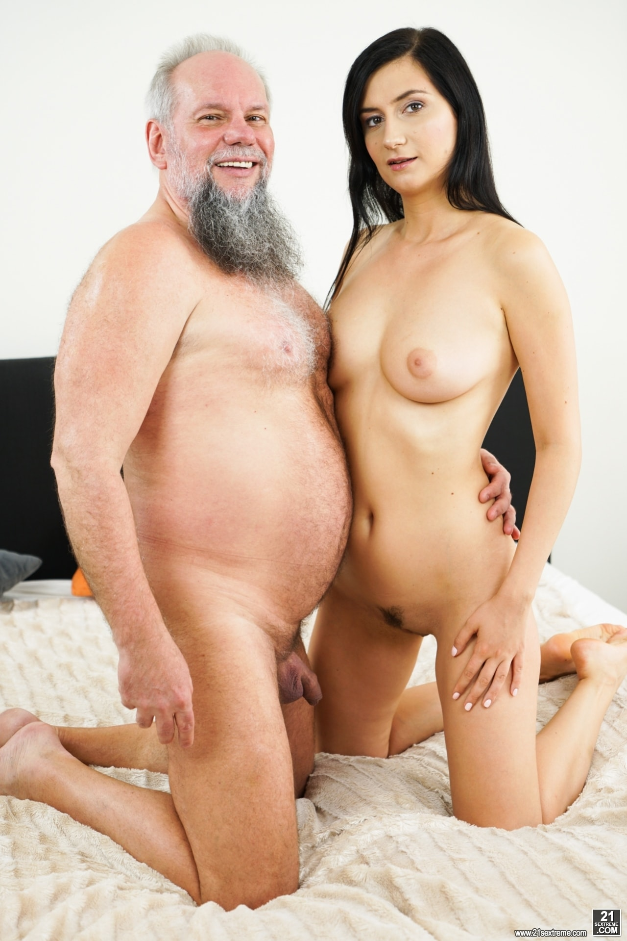 21Sextury 'Don't Let It End' starring Melody Mae (Photo 1)