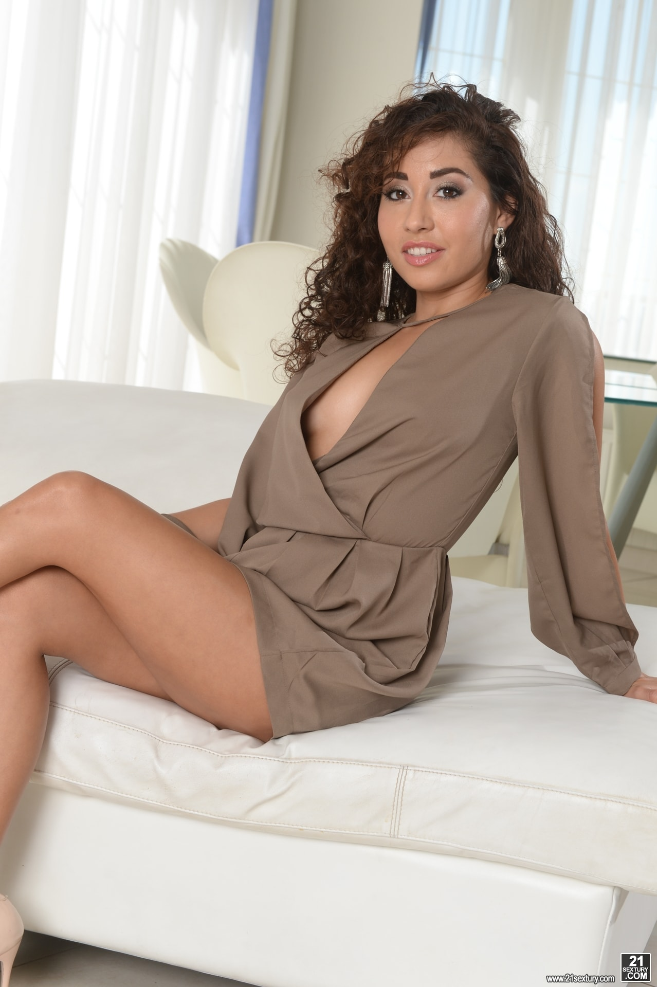 21Sextury 'I Miss You So Much!' starring Melody Petite (Photo 1)