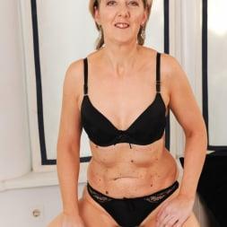 Meryl Strip in '21Sextury' Stripping Meryl Down (Thumbnail 17)