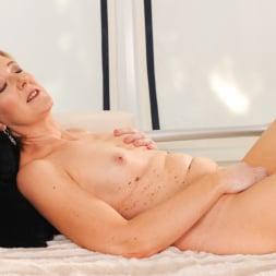 Meryl Strip in '21Sextury' Stripping Meryl Down (Thumbnail 34)