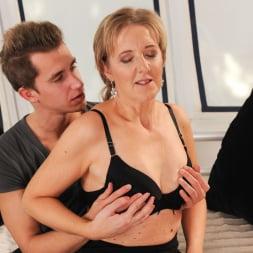 Meryl Strip in '21Sextury' Stripping Meryl Down (Thumbnail 102)