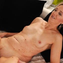 Meryl Strip in '21Sextury' Stripping Meryl Down (Thumbnail 136)