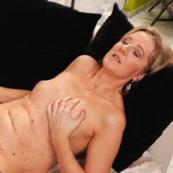 Meryl Strip in '21Sextury' Stripping Meryl Down (Thumbnail 187)