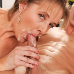 Meryl Strip in '21Sextury' Stripping Meryl Down (Thumbnail 255)