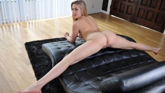 Mia Malkova in 'Miss Flexible'