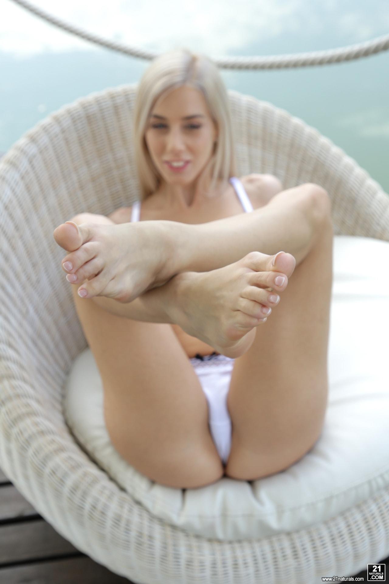 21Sextury 'Kiss My Feet' starring Nesty (Photo 22)