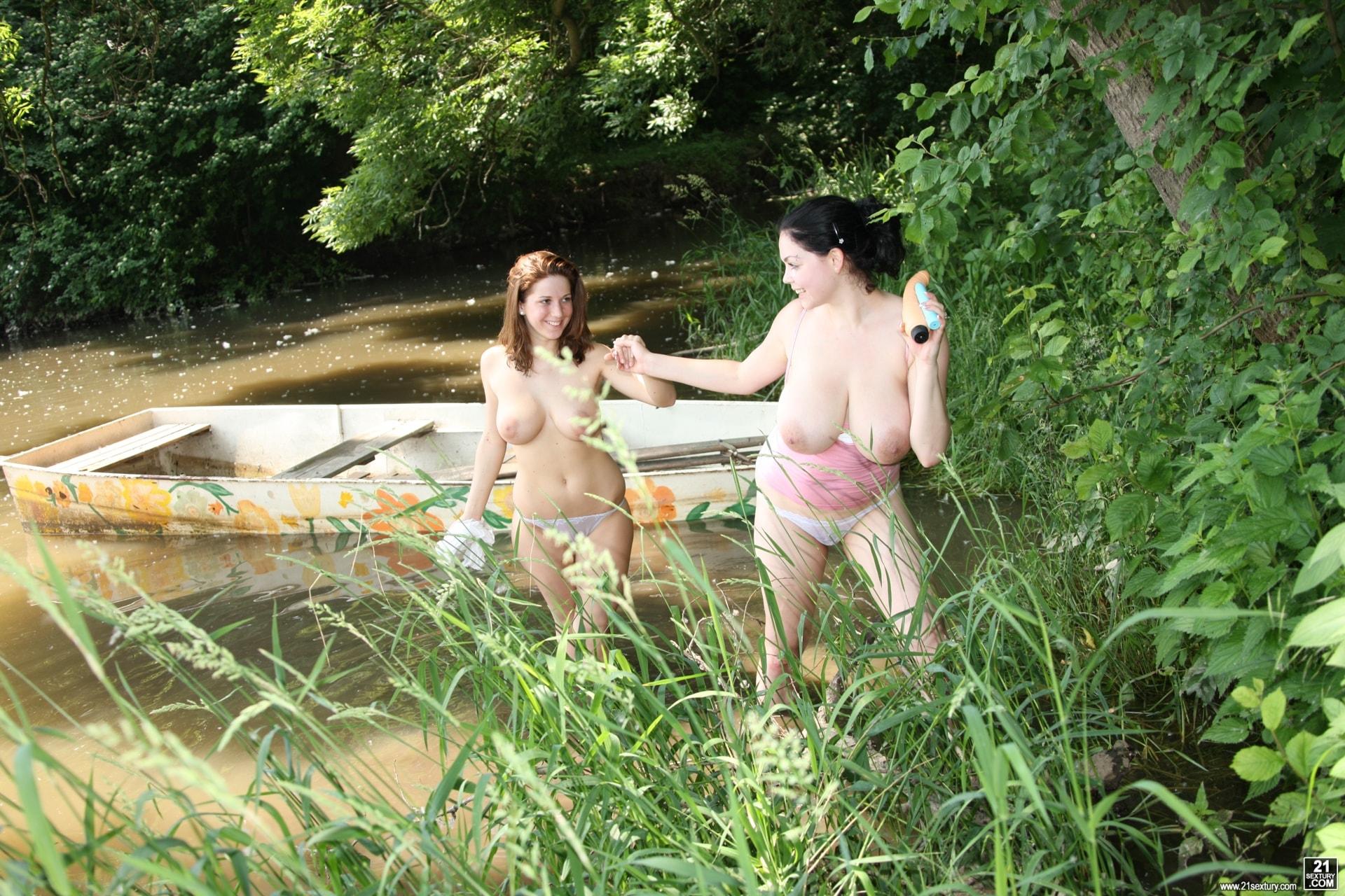 21Sextury 'Lake Lesbians' starring Nicole Sweet (Photo 12)