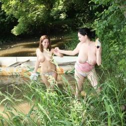 Nicole Sweet in '21Sextury' Lake Lesbians (Thumbnail 12)