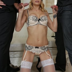 Niky Gold in '21Sextury' Blindfolded Beauty (Thumbnail 32)