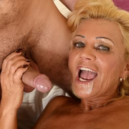 Orhidea in '21Sextury' Seducing the Young (Thumbnail 105)