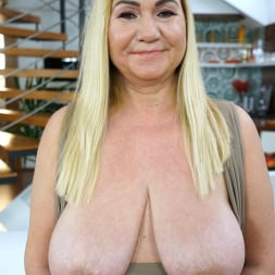 Pam Pink in '21Sextury' A Rose for Grandma (Thumbnail 16)