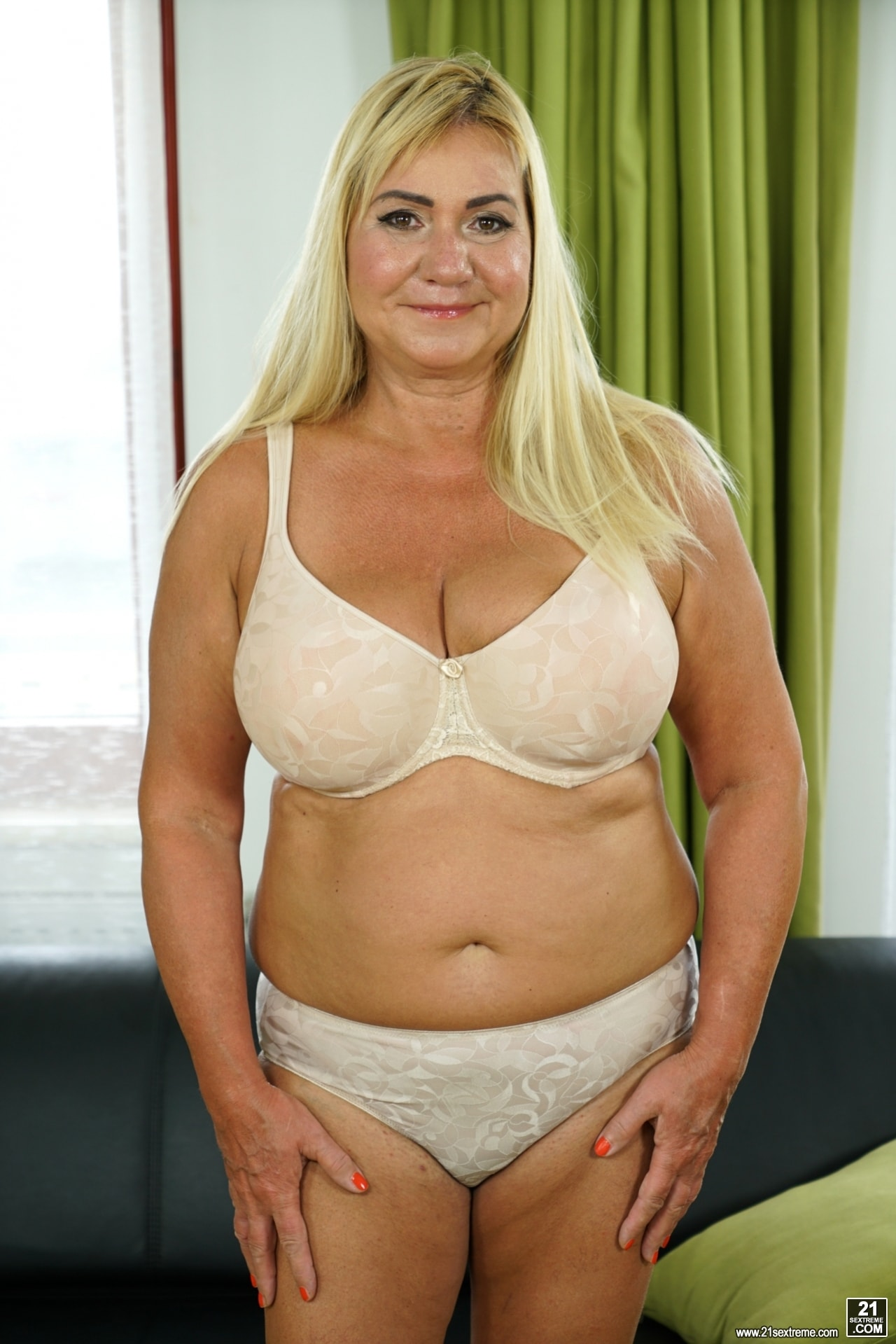 21Sextury 'Come Play With Granny' starring Pam Pink (Photo 16)