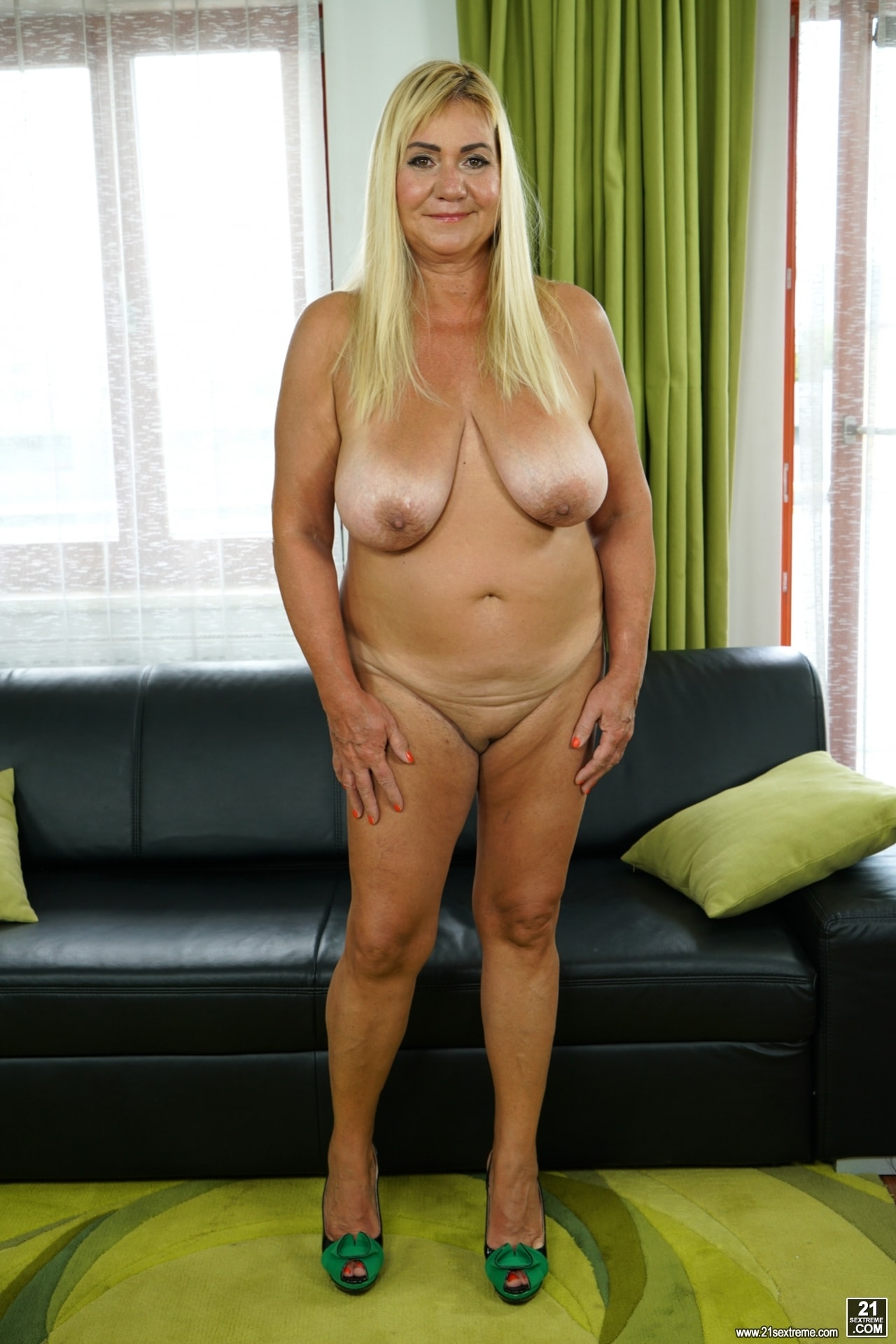 21Sextury 'Come Play With Granny' starring Pam Pink (Photo 32)