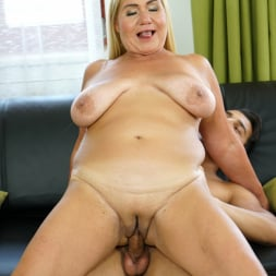 Pam Pink in '21Sextury' Come Play With Granny (Thumbnail 128)