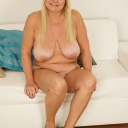 Pam Pink in '21Sextury' Granny Loves Big Dick (Thumbnail 28)