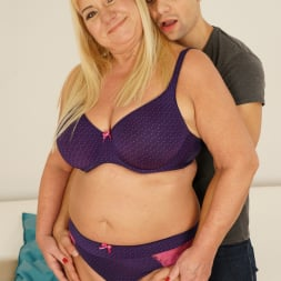 Pam Pink in '21Sextury' Granny Loves Big Dick (Thumbnail 35)